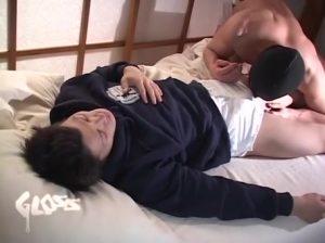 【ゲイ動画ビデオ】かっこ良すぎるスジ筋イケメンがちんぽはみ出させながらトレーニングしてたら、デカチン挿入の本番したくなるのは当たり前!