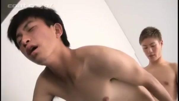 【ゲイ動画】リードが上手すぎるEXILE系筋肉イケメンの導きで中イキしちゃったジャニーズ系スリ筋美少年とのラブラブBLイチャイチャエッチ♪
