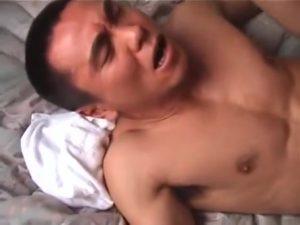 【ゲイ動画ビデオ】ケツ孔疼くド変態スジ筋イケメンを立ちバックで犯したら完全に発情モードになってプリケツフリフリ♪