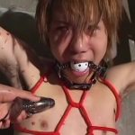 【ゲイ動画】やんちゃ系スリ筋イケメンくんを亀甲縛りにして、二人のマッチョ兄貴がスパンキング巨根輪姦調教!