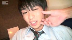 【ゲイ動画ビデオ】神待ち円光希望なジャニーズ系スリ筋美少年DKをカラオケ店に連れ込んで、フェラ奉仕させたりオナニーでイク瞬間を眺める♪