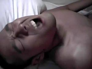 【ゲイ動画ビデオ】ガチムチ筋肉兄貴に腕枕されてうっとりするやんちゃ系坊主イケメンくん、69、尺八のオーラルセックスで大量射精!