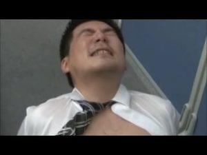 【ゲイ動画ビデオ】残業は気持ちよく! 筋肉マッチョイケメンリーマンがスーツ着衣セックスで先輩のデカチンに貫通されるオフィスラブ!