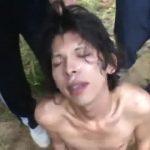 【ゲイ動画】森の中に連れ込まれたジャニーズ系スリ筋美少年が、無残なレイプ魔たちに輪姦される青姦ファック! ザーメンで美貌がドロドロに汚される!