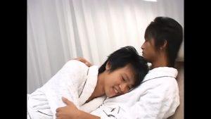 【ゲイ動画ビデオ】これは現実か? 可愛すぎるジャニーズ系スリ筋美少年たちがバスローブ姿でイチャイチャおちんちんをしゃぶり合ってはしゃぐBLオーラルセックス♪