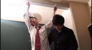 【ゲイ動画ビデオ】誰もいない教室で、ジャニーズ系スリ筋美少年がオラオラ系イケメンくんに拘束されSM立ちバックで犯される容赦ない調教レイプ!