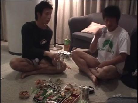 【ゲイ動画】軽いノリのEXILE系スジ筋イケメンくん二人を飲んでたら、そのままノンケセックス3Pに突入しちゃった件!