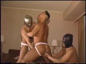 【ゲイ動画ビデオ】ガチムチマッチョイケメン中年、むっちりプリケツをケツ割れサポーターで包み込み3Pファックに狂い咲く!