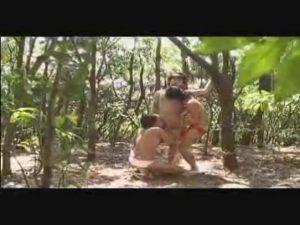 【ゲイ動画】野外の3Pフェラに悶えるジャニーズ系筋肉美少年、3Pファックで巨根をフェラされ本気悶絶!