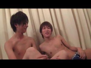 【ゲイ動画】学生服着たDKジャニーズ系スリ筋美少年のケツマンにビンビン巨根をぶっ込んで腰振っちゃうやんちゃ系筋肉イケメンのイチャイチャBLライフ♪