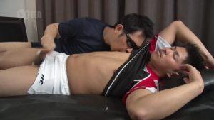 【ゲイ動画ビデオ】マッチョボディーに逞しい巨根という美味しそうな体育会系筋肉マッチョイケメンの狭いアナルにチンポを突っ込む!