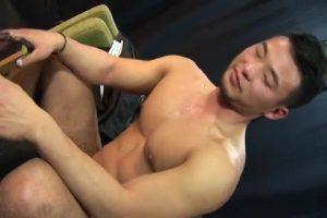 【ゲイ動画ビデオ】ガチムチマッチョなハイレベルイケメンの巨根の「チン拓」とアナルの「マン拓」をとってオナホオナニーを拝見!