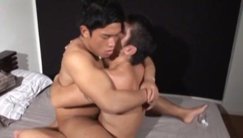 【ゲイ動画】ウホッなガチムチマッチョイケメンがちんぐり返しプレスファックや対面騎乗位で相手に抱きつきガチ悶絶!