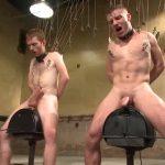 【ゲイ動画】筋肉イケメン完全奴隷化! 拘束、スパンキング、靴舐め、ディルド木馬と容赦ない拷問と巨根ファックの連続!