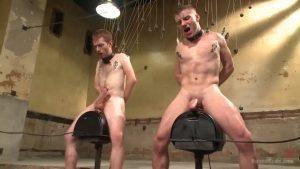 【ゲイ動画ビデオ】筋肉イケメン完全奴隷化! 拘束、スパンキング、靴舐め、ディルド木馬と容赦ない拷問と巨根ファックの連続!