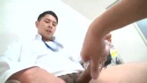【ゲイ動画ビデオ】オナホ訪問販売員が筋肉イケメンリーマンだったので、目の前で巨根オナニーを見せてもらったよ♪