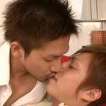 【ゲイ動画】朝起きて横で寝るの筋肉イケメン彼氏に悪戯をする、スジ筋美少年。そのままエッチに突入するラブラブカップルに嫉妬しかしないわ!