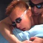【ゲイ動画】日に焼けたスジ筋イケメンゴーグルマンのケツマンに巨根と腕をズボズボのハードフック!