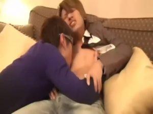 【ゲイ動画】ホストのような外見の二十歳ジャニーズ系筋肉美少年ノンケ大学生が、巨根をねじ込まれヒーヒー泣き叫ぶ!