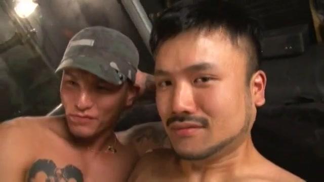 【ゲイ動画】筋肉マッチョ外国人を交えてタトゥー入れまくりやんちゃイケメン二人が悶え狂う濃厚3P!