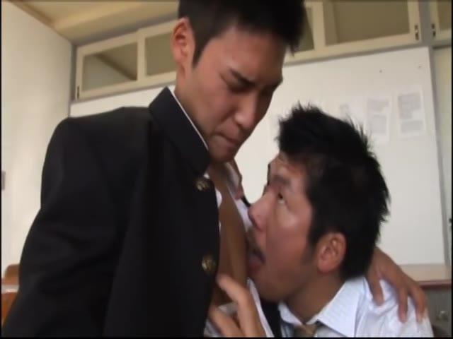 【ゲイ動画】破廉恥補習にやんちゃ系筋肉イケメンDKも巨根を勃起させ昇天! マッチョ教師の肉棒授業!