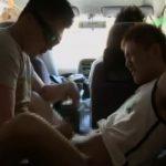 【ゲイ動画】日中、人の多い場所に駐車した車内でやんちゃ系筋肉イケメンくんと本番撮影しちゃいました!