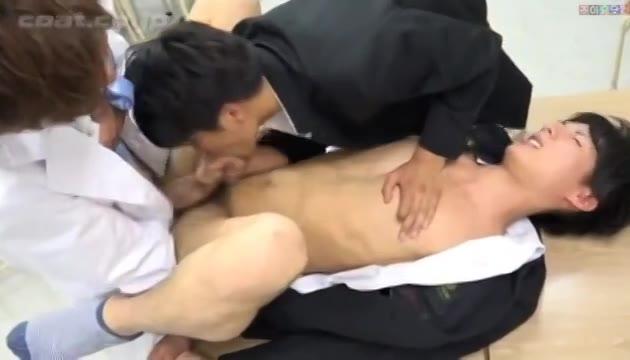 【ゲイ動画】弱みを握られたジャニーズ系スリ筋美少年DKは、美青年鬼畜教師と同級性に3Pで輪姦される!