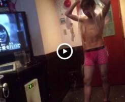 【Vine動画】カラオケボックスでジャニーズ系スリム筋肉イケメンがアイス・バケツ・チャレンジw