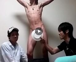 【Vine動画】結果にコミット的巨根露出するジャニーズ系金髪スリム筋肉イケメンと愉快な仲間達w