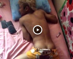 【Vine動画】やんちゃ系金髪筋肉イケメンの起こし方は生尻を剥き出しにするんですw