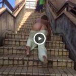 【Vine動画】階段を駆け上がるやんちゃ系スリム筋肉イケメンが足を滑らせ半ケツ見える奇跡を起こしたw