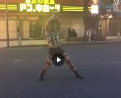 【Vine動画】 HOT LIMIT祭りで夏と股間を刺激するジャニーズ系筋肉イケメンのもっこりを野外でも!