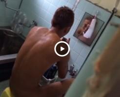 【Vine動画】風呂場で歯を磨く筋肉イケメンの盗撮に挑戦するも、一瞬でバレたw