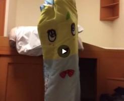 【Vine動画】ジャニーズ系童顔イケメン扮するふなっしーが巨根見せて戸棚に引きこもるw