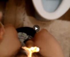 【Vine動画】巨根を覆い隠すもっさりしたチン毛を豪快に燃やしてみた結果w