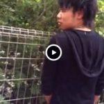 【Vine動画】ジャニーズ系筋肉イケメンの立ちション姿を撮影したら振り向いて巨根見せられたw
