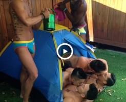 【Vine動画】筋肉マッチョなイケメンアメリカ人によるゲイパーティーが謎だらけなんだけどw