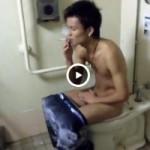 【Vine動画】ジャニーズ系スジ筋イケメンのトイレ姿を激写したったw